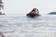 Ilmatyynyalus kelirikossa, katso lisää www.rafhovercraft.fi