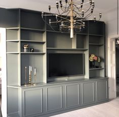 Platsbyggt Parlor Room, Office Shelving, Living Room Cabinets, Built In Bookcase, Luxury Home Decor, Home Living Room, Built Ins, Home Decor Inspiration, Building A House