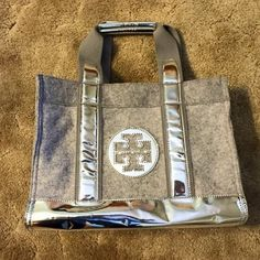 Tory Tote by Tory Burch bag. Gently used Tory Burch Bags Totes