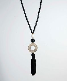 Collier gland noir. Sautoir noir et blanc. par lizaslittlethings