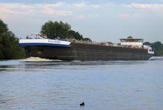 Scheepvaart bij Blitterswijck aan de Maas