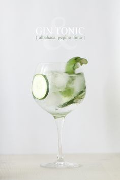 Gin Tonic: albahaca, pepino y lima