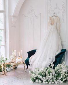 Dream getting ready location #repost | @ajur_wedding | WedLuxe Magazine | #WedLuxe #Wedding #luxury #weddinginspiration #luxurywedding #weddingdress #weddinggown