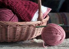 90 сайтов по вязанию и рукоделию! Knit Basket, Knit Art, Knitting Supplies, Knitting Yarn, Yarns, Knits, Knitwear, Crocheting, Cable Knitting