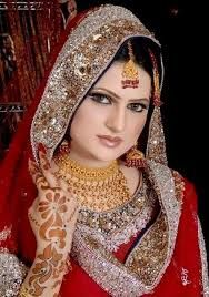 Hey there gorgeous Indian brides.  At Mangalam wedding planning, we understand how important a good makeup artists is to you.   Take your makeup at Mangalam on your wedding day