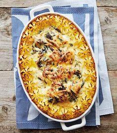 """Torskrygg """"florentine"""" - ja det är så gott och lätt med gratäng - allt i samma form där smakerna hjälper varandra. Dessutom perfekt att förbereda för många, tipsar kocken Tina…"""