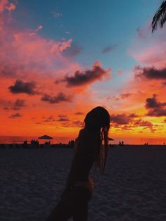 this summer new memories Summer Pictures, Beach Pictures, Summertime Pictures, Beach Pics, Summer Feeling, Summer Vibes, Summer Nights, Pretty Sky, Summer Goals