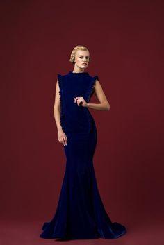 Ny Fashion, Couture Fashion, Velvet Dress Designs, Velvet Gown, Mermaid Silhouette, Fantasy Dress, Queen, Prom Dresses, Formal Dresses