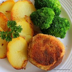 When quick and easy is the order of the day, then salmon fish cakes are perfect for your dinner menu. Salmon Fish Cakes, Conch Fritters, Canned Salmon Recipes, Welsh Recipes, Corn Beef And Cabbage, English Food, Fish And Chips, Dinner Menu, Kids Meals