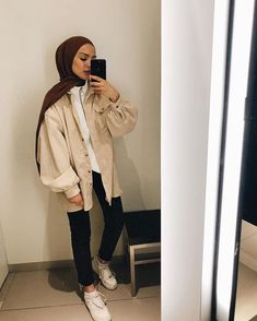 🎮🎧🎲🎮🎧🎲 c Winter hijab styles Always chilled 😎 ___________________________________ Thanks again to for helping me to get these sick versace kicks 👟🤪 Hijab Fashion Casual, Hijab Fashion Summer, Street Hijab Fashion, Casual Hijab Outfit, Muslim Fashion, Casual Outfits, Fashion Fashion, Fashion Wheel, Winter Outfits