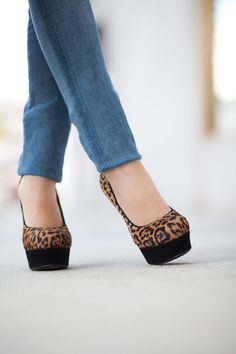 Nothing goes better with skinny jeans than YSL leopard print pumps