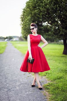 red and black -- ADORE this dress!!