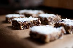 Domáce proteinové tyčinky ako skvelá náhrada nezdravých sladkostí