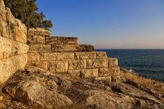 Τα Μακρά Τείχη στη Πειραική.