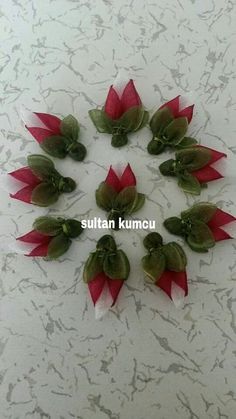 This Pin was discovered by Gül Ribon Flowers, Cloth Flowers, Kanzashi Flowers, Satin Flowers, Diy Flowers, Fabric Flowers, Ribbon Art, Diy Ribbon, Ribbon Crafts