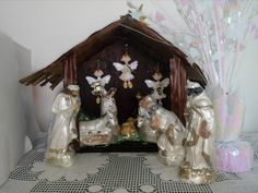 Sagrada Familia made in china.  2014.  Los angeles son de porcelanicron, made in Colombia.  2012