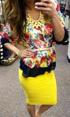 Spring, floral print tunic, yellow pencil skirt (and skip the yellow bubble necklace. Modest Outfits, Modest Fashion, Fashion Outfits, Cute Easter Outfits, Cute Outfits, Summer Outfits, Yellow Fashion, Love Fashion, Floral Fashion