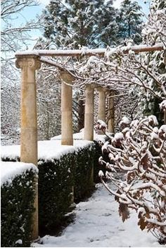 Pergola in Snowy Garden: Beautiful Sites, Beautiful Gardens, Candles In Fireplace, Palace Garden, Covered Garden, Winter Scenery, Winter Magic, Winter Pictures, Winter Beauty