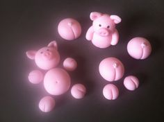fondant pigs/12 pieces/ fondant pigs/ cupcake by BabyForever