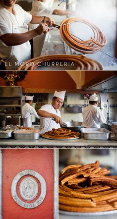 Deliciosos y tradicionales churros en el Restaurante el Moro,México.