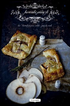 Onion, Brie, Pear, & Rosemary Puff Pastry   Krew i mleko