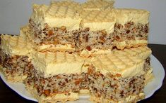 Oricat am incerca sa nu … Romanian Desserts, Romanian Food, Nasa, Waffle Cake, Individual Cakes, Different Cakes, Cookies, Biscuits, Sweet Treats