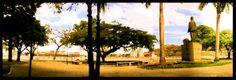 Outra vista da Praça Presidente Getúlio Vargas. Agora com destaque para estátua do homenageado
