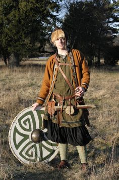 Rus viking trader by VendelRus.deviantart.com. Lots of great Viking and Rus garb here.
