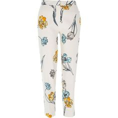 River Island Cream floral print cigarette pants (94 BRL) ❤ liked on Polyvore featuring pants, capris, bottoms, trousers, cream, sale, women, floral pants, tall pants and flower print pants