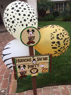 Safari Theme Birthday, Wild One Birthday Party, Safari Birthday Party, 1st Boy Birthday, Boy Birthday Parties, First Birthday Party Decorations, Baby Shower Decorations For Boys, Mickey Party, Mickey Mouse Birthday