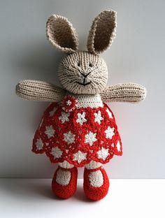 knit Bunny by @Lisa Phillips-Barton Mahaffey on Ravelry