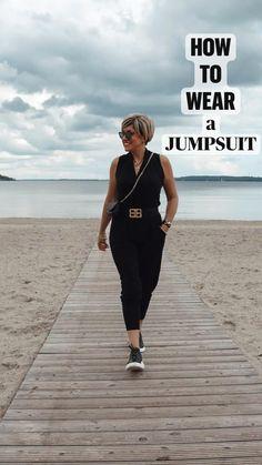 Blazer Outfits, Casual Outfits, Older Women Fashion, Womens Fashion, Mode Ab 50, Mode Plus, Black Polo Shirt, Fashion Over 40, Mode Outfits