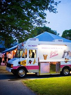 Hire A Food Truck To Invade Your Reception With