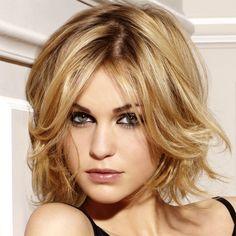 coiffure pour visage ovale et cheveux bouclés