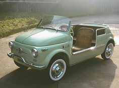 1959 fiat 500 - wouldn't this just be the Ultimate Beach Mobil. Vw Beach, Beach Cars, Cars Vintage, Antique Cars, Vw Bus, Volkswagen, Van 4x4, Automobile, Fiat Cars