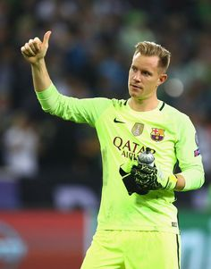 Marc-Andre ter Stegen of Barcelona gives a thumbs-up to the fans after the UEFA Champions League group C match between VfL Borussia Moenchengladbach and FC Barcelona at Borussia-Park on September 28, 2016 in Moenchengladbach, North Rhine-Westphalia.