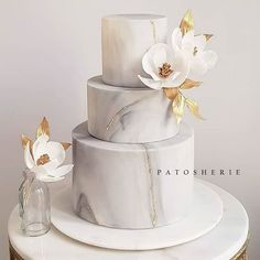 marble wedding cakes Here is the finished marble cake with added gold touches made for the sweetest and chic couple Cake Elegant Wedding Cakes, Wedding Cake Designs, Christmas Cake Designs, 13 Birthday Cake, Marble Cake, Gold Marble, Engagement Cakes, Cake Photography, Gold Cake