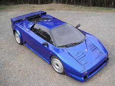 Royal Blue Metallic Bugatti GT in Molsheim. Bugatti Veyron, Bugatti Cars, Ferrari Car, Bugatti Concept, Concept Cars, Supercars, Pagani Zonda R, Vw Group, Sweet Cars