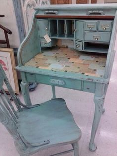 Shabby chic distressed rolltop w/decoupage post card..