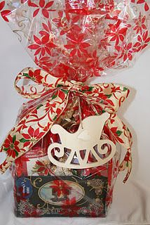 Love this Christmas Hamper Gift xx Christmas Hamper, Christmas Crafts, Sewing Crafts, Sewing Projects, Hamper Gift, Hamper Ideas, Arts And Crafts, Gift Wrapping, Craft Ideas