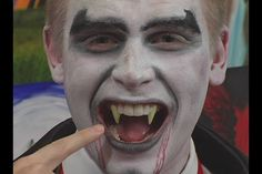 Vampire Fang for Vampire Halloween Costume | eHow UK