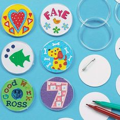 Baker Ross Design Your Own Badge (Pack Of For Kids To Decorate and Kids Party Bag Fillers Diy Crafts For School, Crafts To Make, Arts And Crafts, Paper Crafts, Diy Christmas Crackers, Christmas Diy, Make Your Own Badge, Badge Design, Moon Design