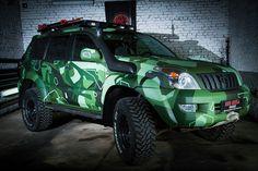 Фотографии готового автомобиля Toyota Land Cruiser Prado 120 Green в комуфляже