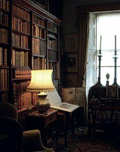 English country style interior of Sir Albert Richardson (1880-1964).