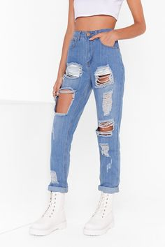 Mom Jeans Outfit Summer, Jeans Outfit Winter, Denim Outfit, Winter Outfits, Girls Ripped Jeans, Blue Mom Jeans, Boyfriend Jeans, Women's Jeans, Light Blue Ripped Jeans