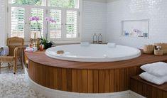banheiro com banheira redonda