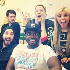 Lol love Mitch's face!
