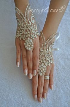 Wedding Glove ivory lace gloves Fingerless Glove by newgloves. Inspiration Only Hand Jewelry, Body Jewelry, Jewellery, Wedding Attire, Wedding Dresses, Wedding Gloves, Lace Gloves, Bare Foot Sandals, Nude Sandals