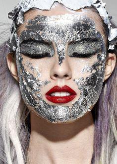 Crazy Silver Makeup Looks for Inspiration | ko-te.com by @evatornado |