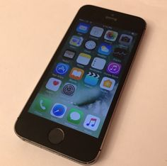 Apple iPhone 5s - 16GB - Space Grey (Unlocked) Smartphone Very Good Condition